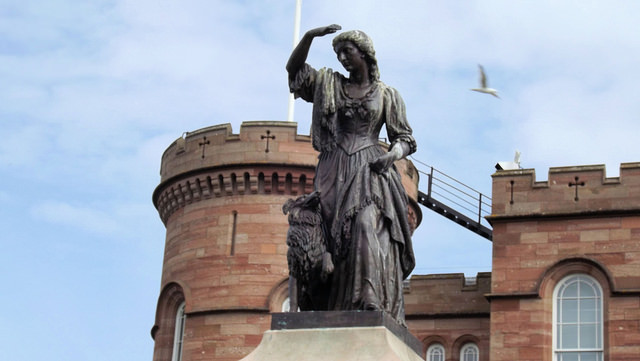 statue of Flora MacDonald